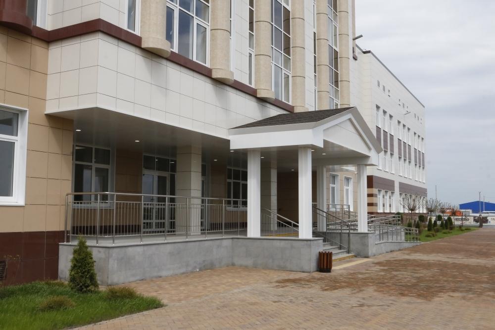 ВКраснодаре продлили договор сподрядчиком покапремонту улицы Тургенева