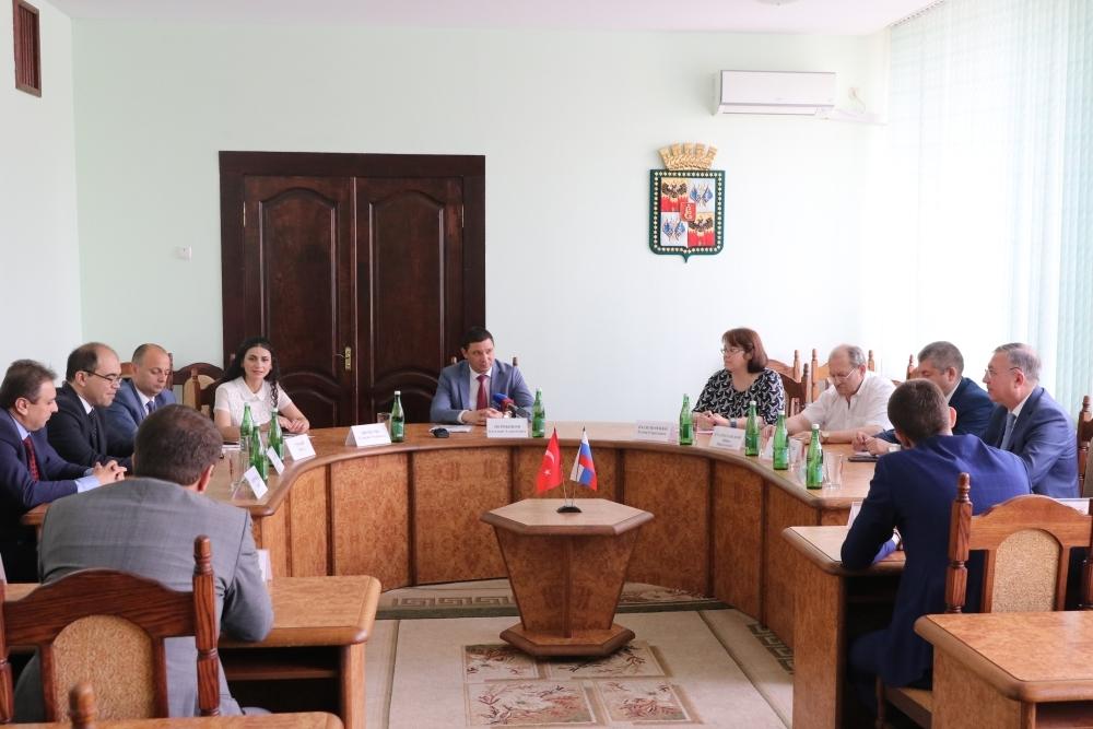 Мэр Краснодара обсудил с представителями Турции перспективы торгово-экономического сотрудничества